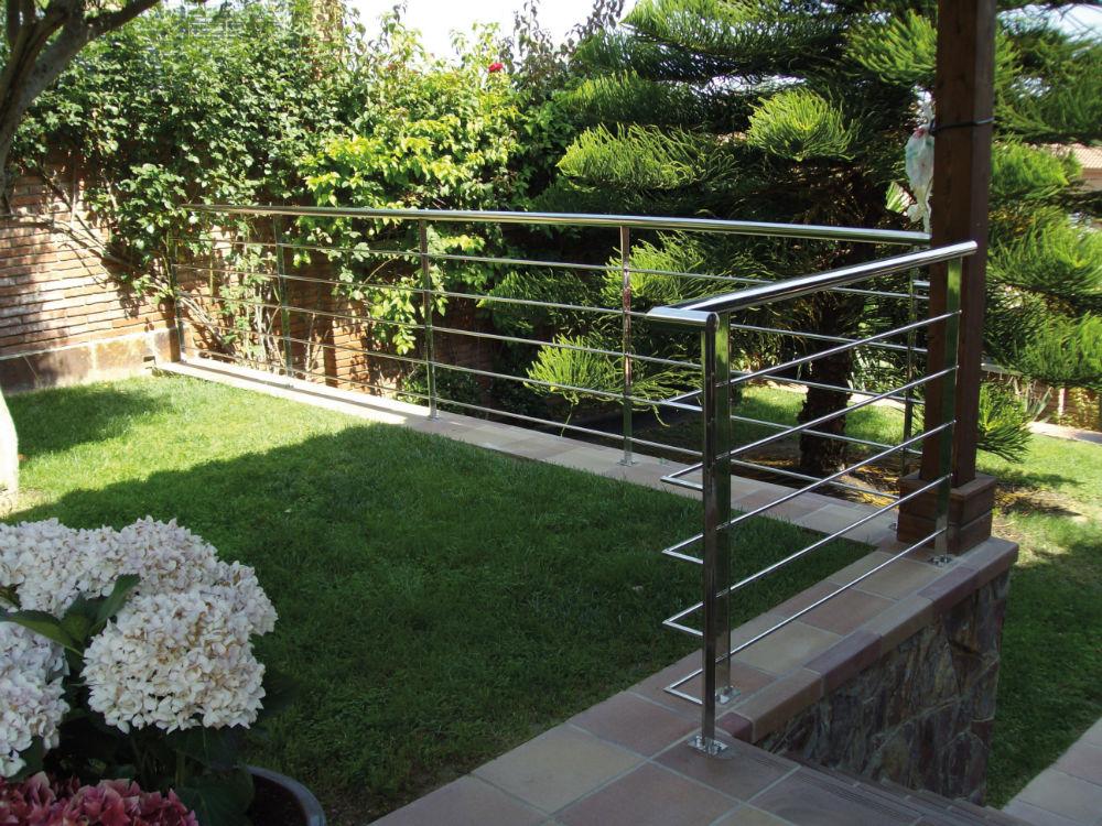 Barandillas de exterior good barandilla escalera exterior for Barandilla escalera exterior